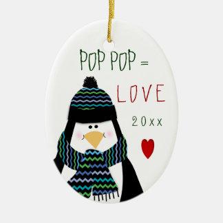 Ornement Ovale En Céramique Cadeau de Noël de pingouin de POP POP d'amour