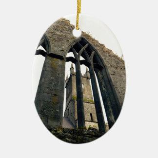 Ornement Ovale En Céramique Château irlandais - forteresse - près des portes