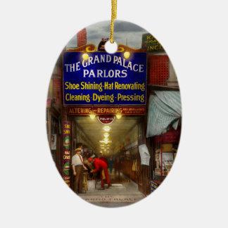 Ornement Ovale En Céramique Cirage - les salons grands 1922 de palais
