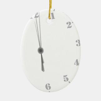 Ornement Ovale En Céramique Clockface de minuit