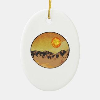 Ornement Ovale En Céramique Coucher du soleil de montagne