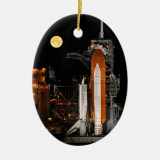 Ornement Ovale En Céramique Découverte et lune de navette spatiale
