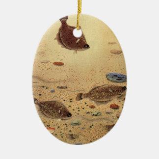 Ornement Ovale En Céramique Flets vintages, poissons plats de la vie marine