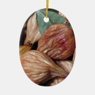 Ornement Ovale En Céramique Fruits d'automne. Plan rapproché des figues sèches