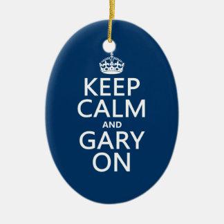 Ornement Ovale En Céramique Gardez le calme et Gary sur (toute couleur)