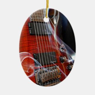 Ornement Ovale En Céramique Guitares de Sept-Ficelle de ficelles de la guitare
