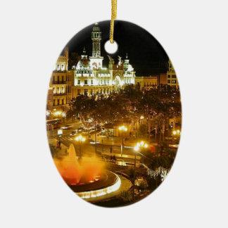 Ornement Ovale En Céramique Horizon de nuit de Madrid
