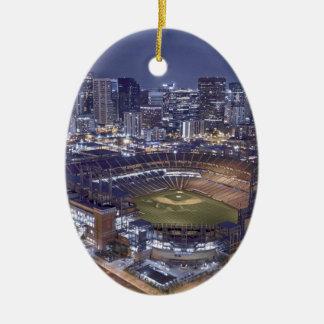 Ornement Ovale En Céramique Horizon de ville de Denver et champ de Coors la