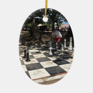 Ornement Ovale En Céramique Jouer aux échecs dans Bali