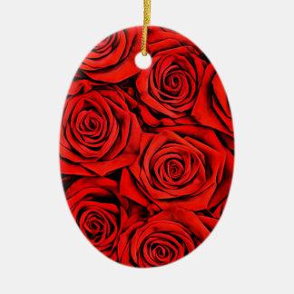 Ornement Ovale En Céramique La fleur florale de pétales de roses rouges plante