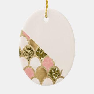 Ornement Ovale En Céramique Les échelles roses de sirène d'or et rougissent