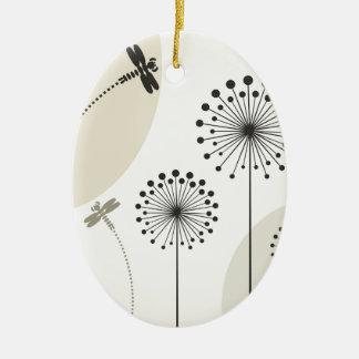 Ornement Ovale En Céramique Libellule sur une fleur