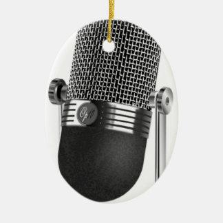 Ornement Ovale En Céramique Microphone classique