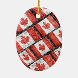 Ornement Ovale En Céramique Motif canadien de motif de drapeau