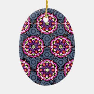 Ornement Ovale En Céramique Motifs floraux et cercles gris