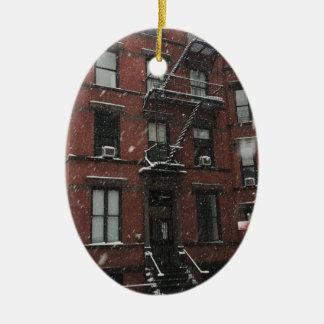 Ornement Ovale En Céramique Neige supérieure de la sortie de secours NYC de