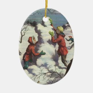 Ornement Ovale En Céramique Noël vintage, combat de Snowball d'enfants