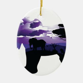 Ornement Ovale En Céramique Nuit africaine avec l'éléphant