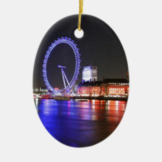 Ornement Ovale En Céramique Oeil de Londres la nuit