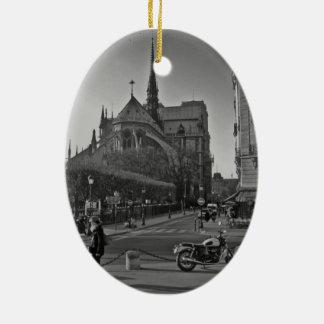 Ornement Ovale En Céramique Paris noir et blanc Notre Dame