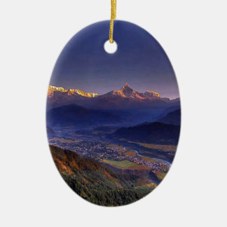 Ornement Ovale En Céramique Paysage de vue : L'HIMALAYA POKHARA NÉPAL