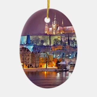 Ornement Ovale En Céramique Prague en hiver