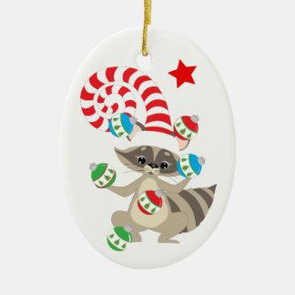 Ornement Ovale En Céramique Raton laveur de jonglerie mignon personnalisé