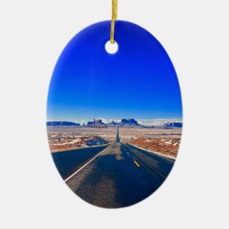 Ornement Ovale En Céramique Route à l'ornement de Noël de vallée de monument