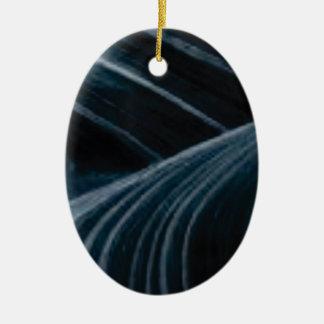 Ornement Ovale En Céramique ruelles noires d'ombre