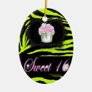Ornement Ovale En Céramique Sweet sixteen de petit gâteau de rose d'impression