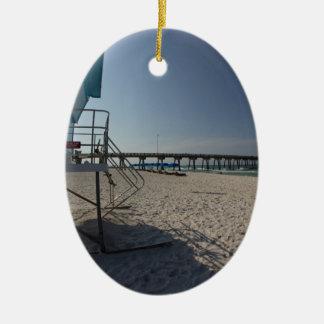Ornement Ovale En Céramique Tour de maître nageur au pilier de plage de Panamá
