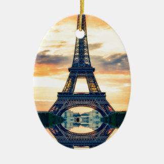 Ornement Ovale En Céramique Tour Eiffel Paris même le voyage européen