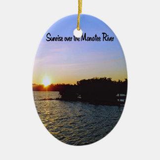 Ornement Ovale En Céramique Un lever de soleil dans Bradenton la Floride