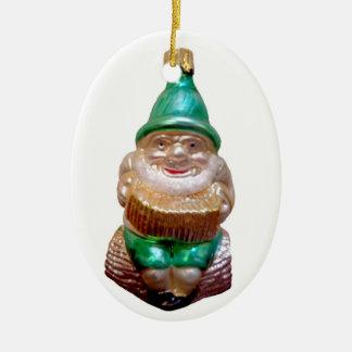 Ornement Ovale En Céramique Vieux gnome allemand