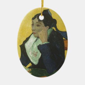 Ornement Ovale En Céramique Vincent van Gogh - Madame Ginoux avec des livres