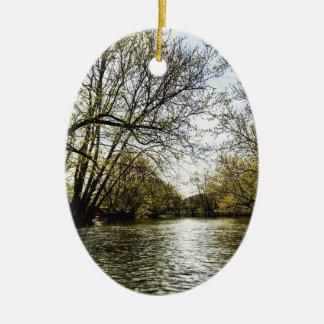 Ornement Ovale En Céramique Vue de la rivière