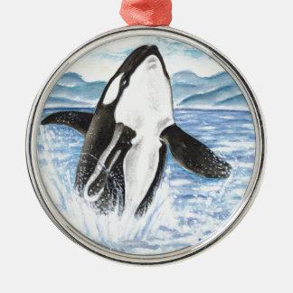 Ornement Rond Argenté Aquarelle ouvrant une brèche la baleine d'orque