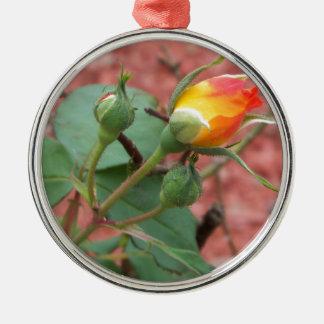 Ornement Rond Argenté bourgeon rose jaune et d'orange