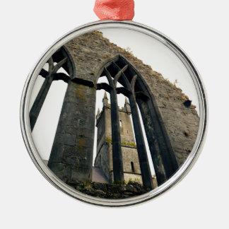 Ornement Rond Argenté Château irlandais - forteresse - près des portes