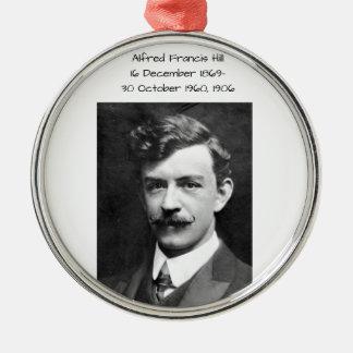 Ornement Rond Argenté Colline 1906 d'Alfred Francis