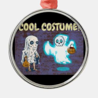 Ornement Rond Argenté Costume de fantôme et de squelette