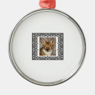 Ornement Rond Argenté coyote dans un cadre