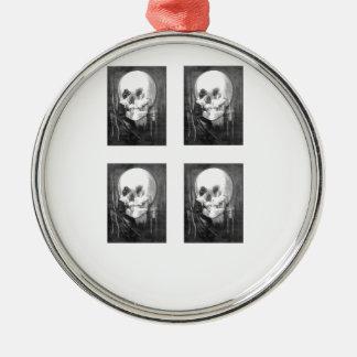 Ornement Rond Argenté crânes de quadruple