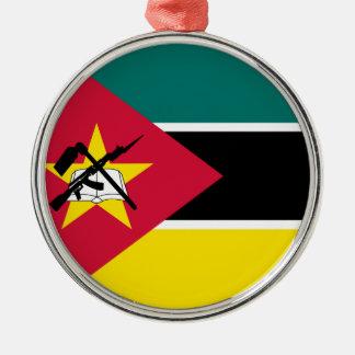 Ornement Rond Argenté Drapeau de la Mozambique