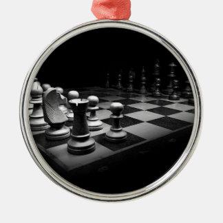 Ornement Rond Argenté Échiquier blanc noir du Roi de pièces d'échecs