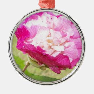 Ornement Rond Argenté fleur variable de rose et blanche de ketmie