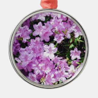 Ornement Rond Argenté Fleurs asiatiques violettes