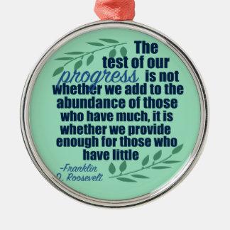 Ornement Rond Argenté Franklin D. Roosevelt sur la citation de progrès