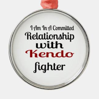 Ornement Rond Argenté Je suis dans un rapport commis avec Kendo Fighte