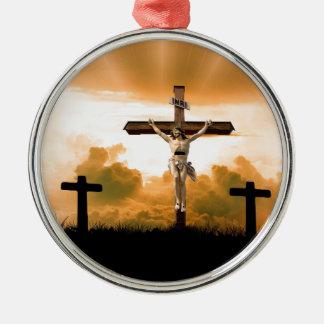 Ornement Rond Argenté Jésus sur le ministère croisé